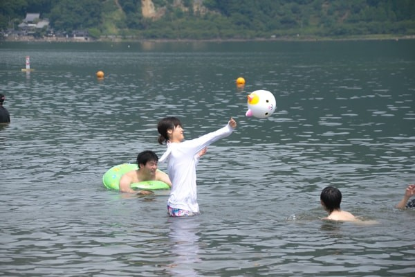 湖水浴の様子